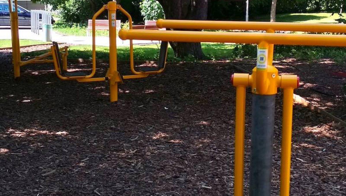 Free Sport Parks – Eddz Okosan QR-kód Fitneszpark