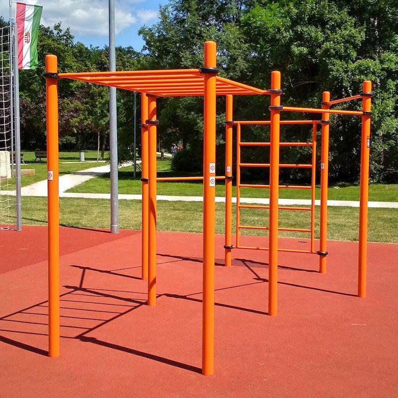 Eddz Okosan QR-kód matricák narancssárga színű kondipark eszközökön