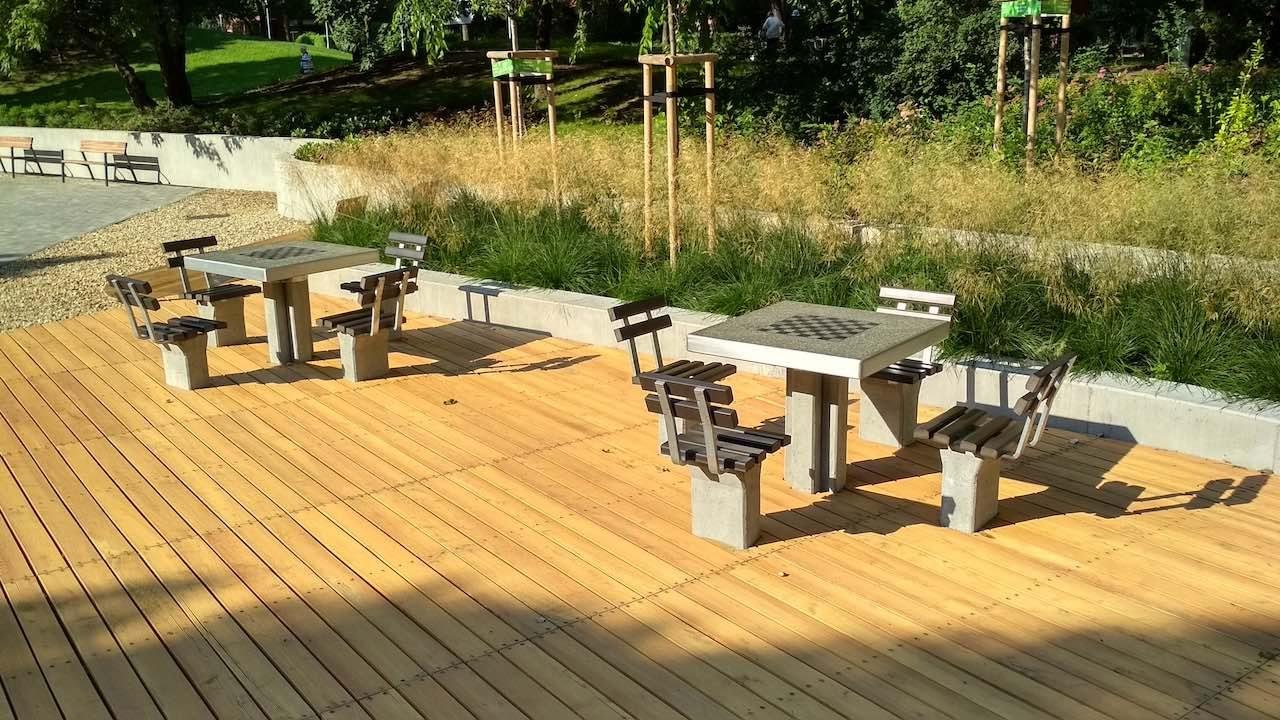 Holdudvar park – Sakk asztalok