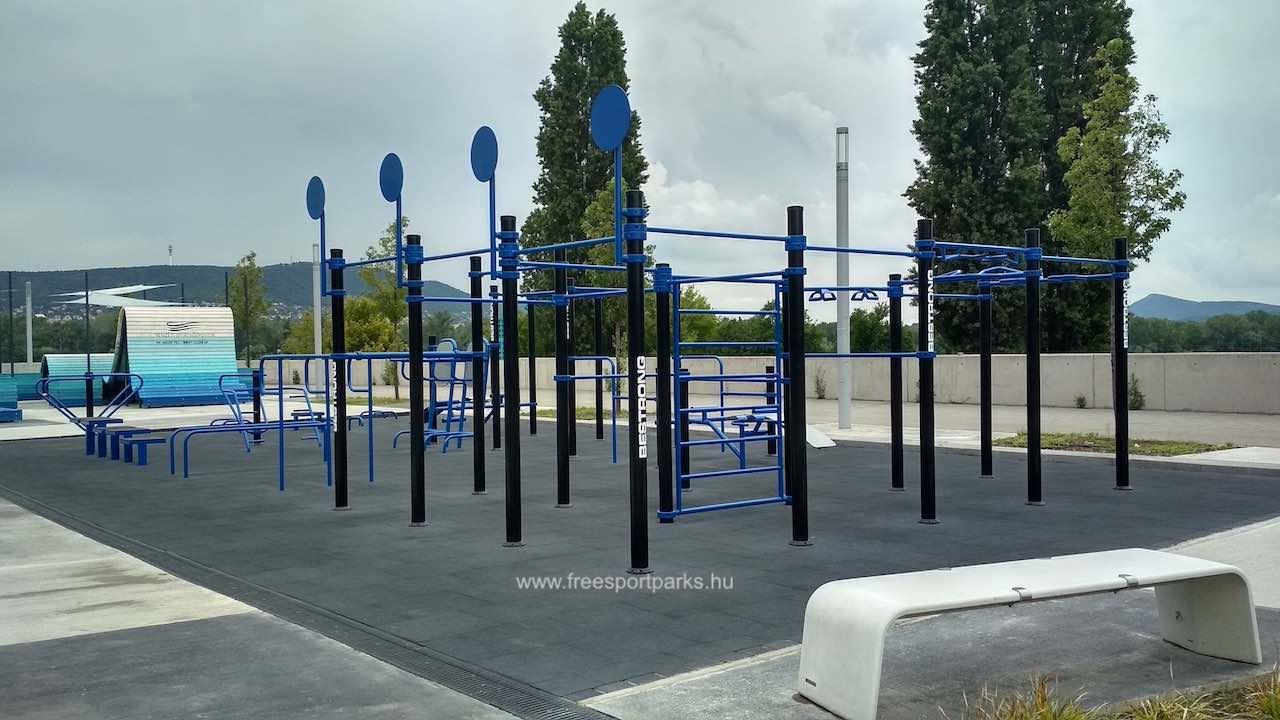 gumitalajú kondipark a Duna Aréna szabadtéri edzőparkban