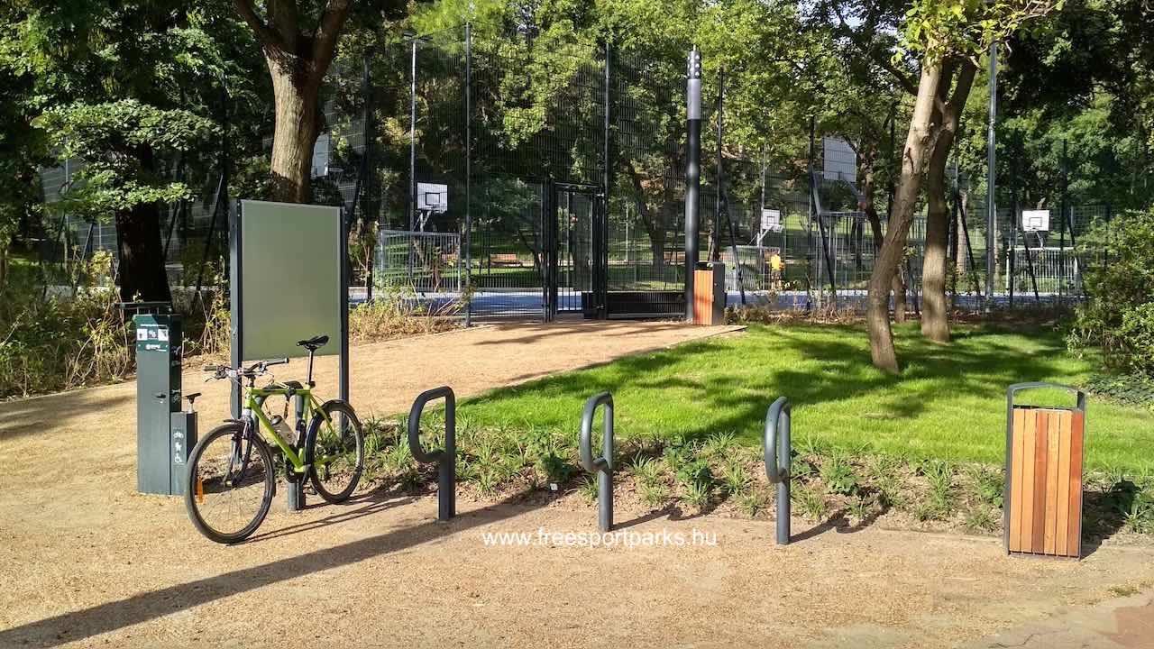 fémfelületű kerékpártárolók