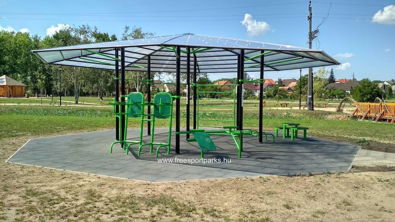fedett kondipark (Street Workout Park)