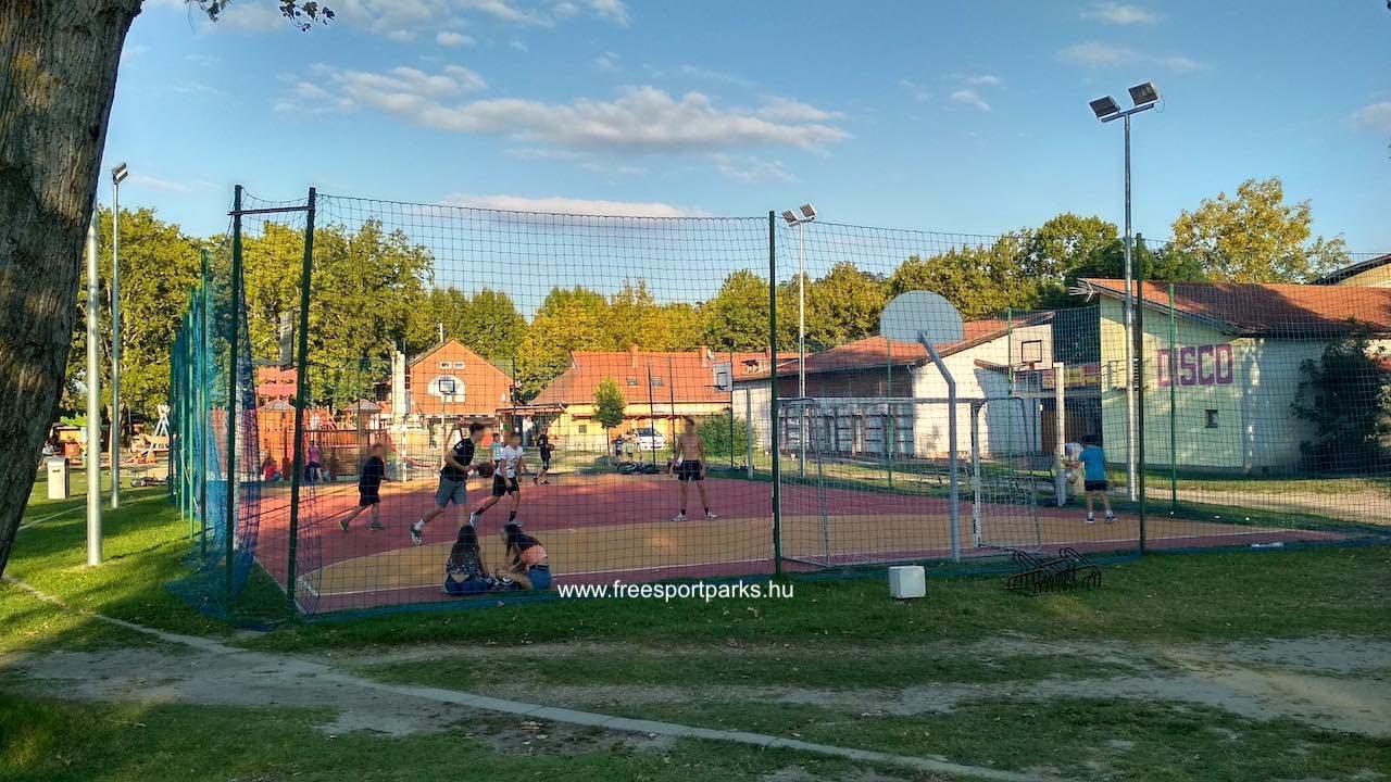 multifunkciós labdapálya: foci, kosárlabda, streetball