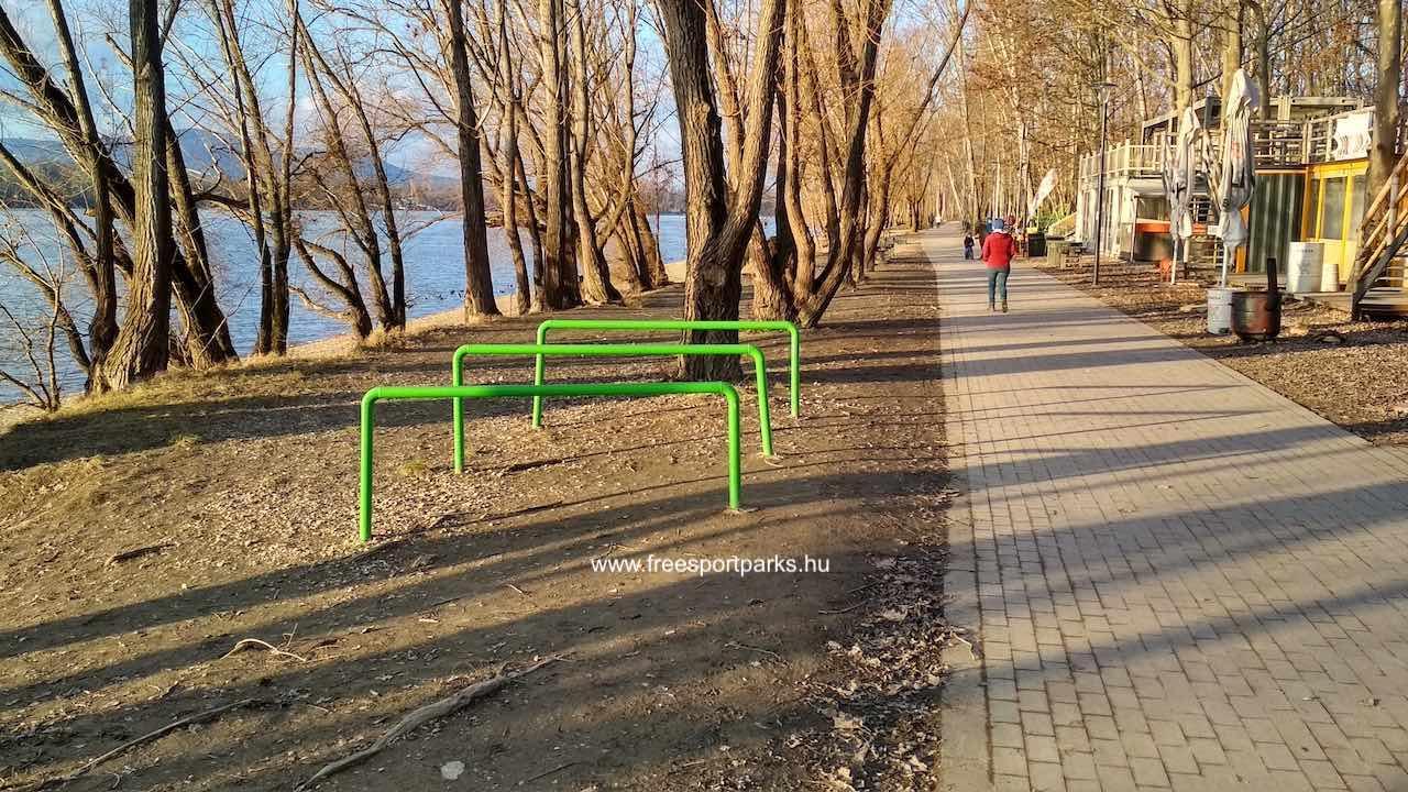 Kerékpártároló a Dunakeszi Szabadstrandon