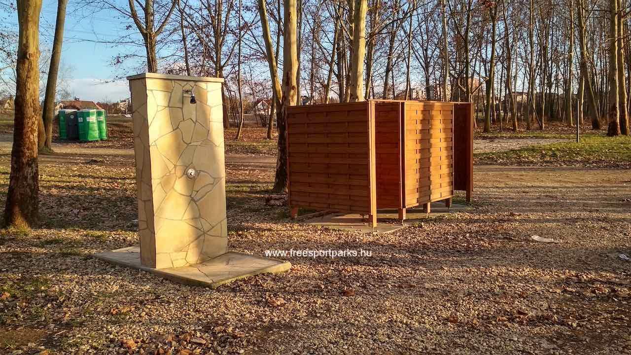 Szabadtéri zuhanyzók és öltözőfülkék Dunakeszi Szabadstrandon - Free Sport Parks térkép
