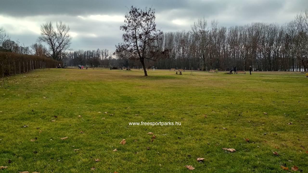 hatalmas zöldfelület idális akár piknikezéshez, jógázáshoz Dunakeszi, Katonadomb - Free Sport Parks térkép
