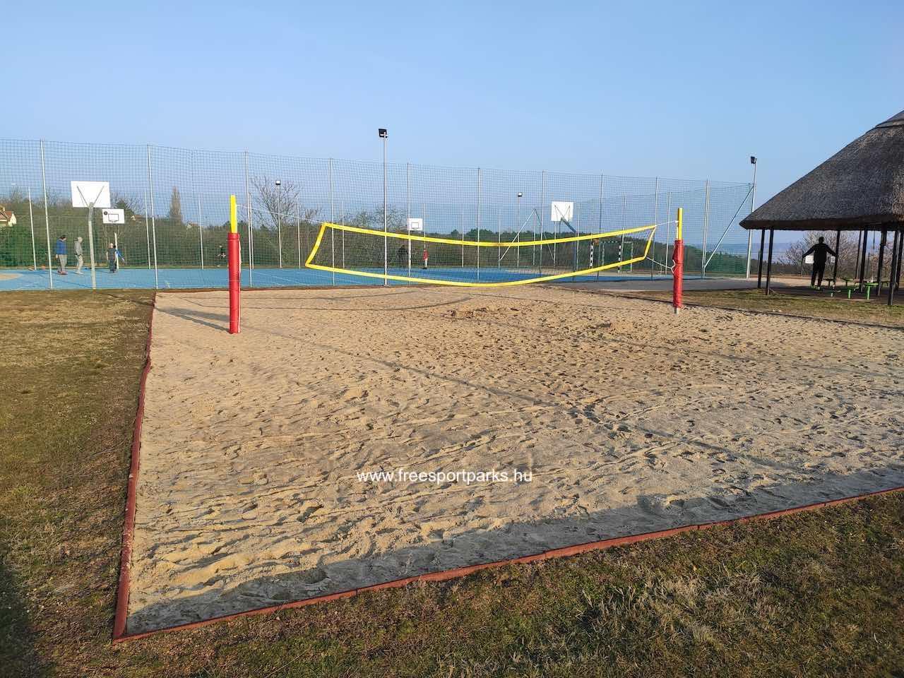 homokos strandröplabda pálya