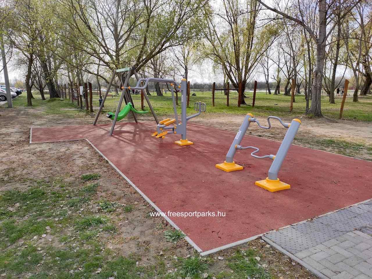 Integrált fitneszpark a Palotavárosi szabadidőpark bejáratánál