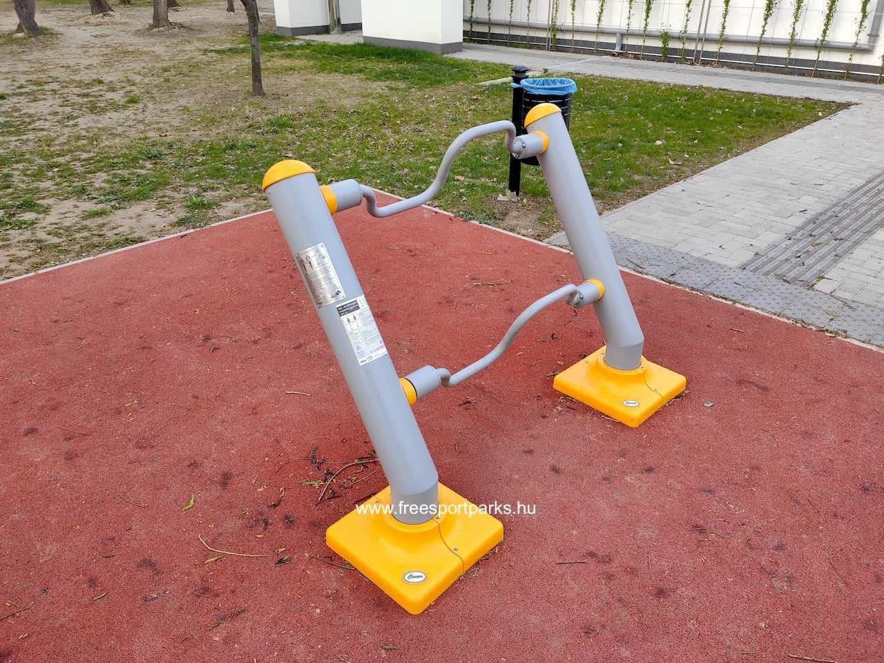 Kar és lábmozgató gép - Palotavárosi szabadidőpark Székesfehérvár